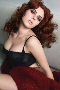 Scarlett Tilt